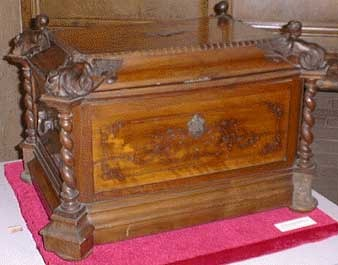 Tiara Box used by Leo XIII
