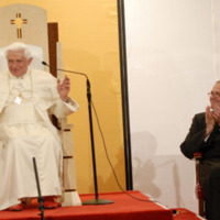 Father O'Connell applauds Pope Benedict XVI in the Pryzbyla Center
