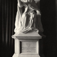 Statue of pope Leo ca 1896.jpg