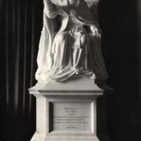 Statue of pope Leo ca 1896.jpg